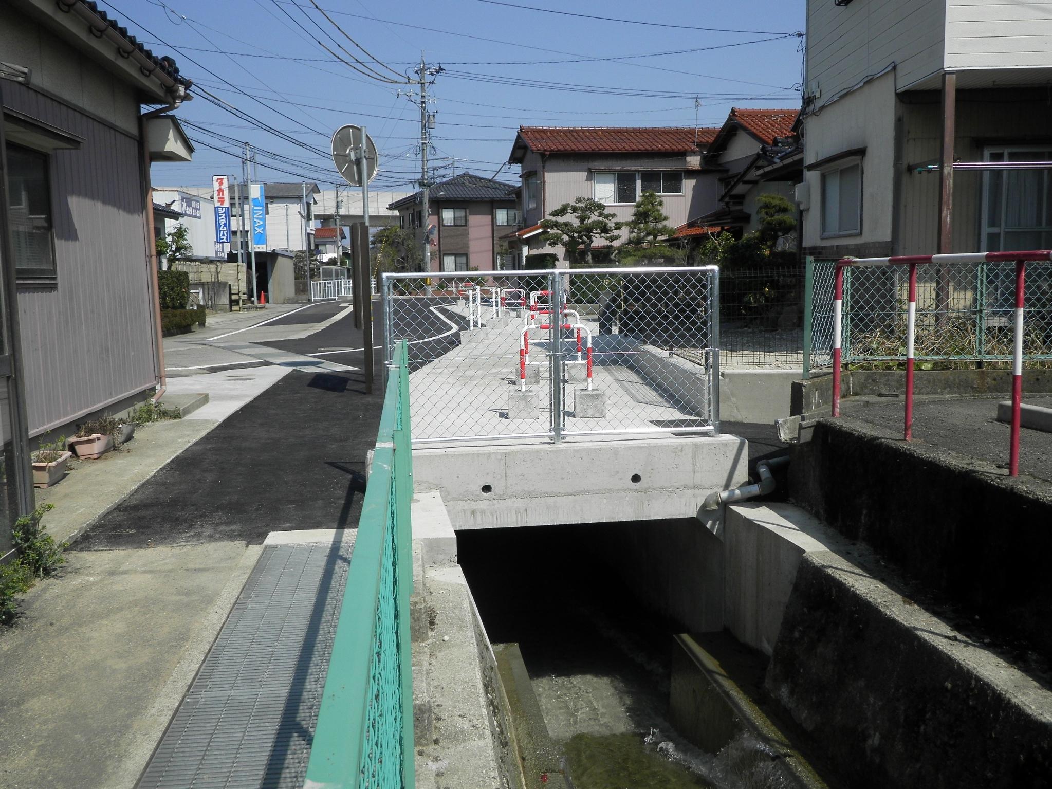 平成28年度 県営かんがい排水事業 中村用水第2三期地区 水路工事