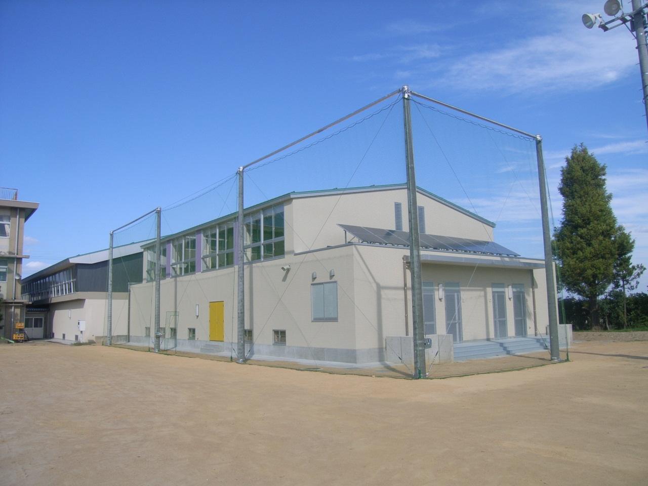 北陽小学校防球ネット設置工事