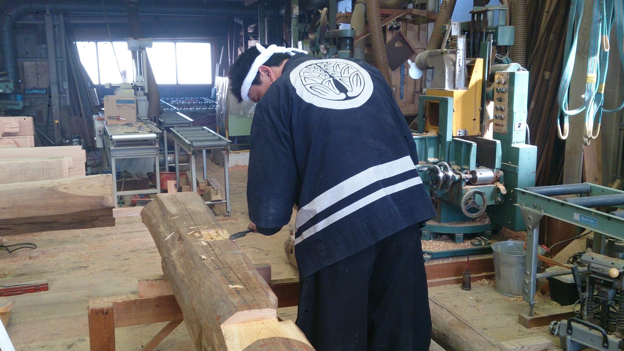 作業場にて思い出の木加工