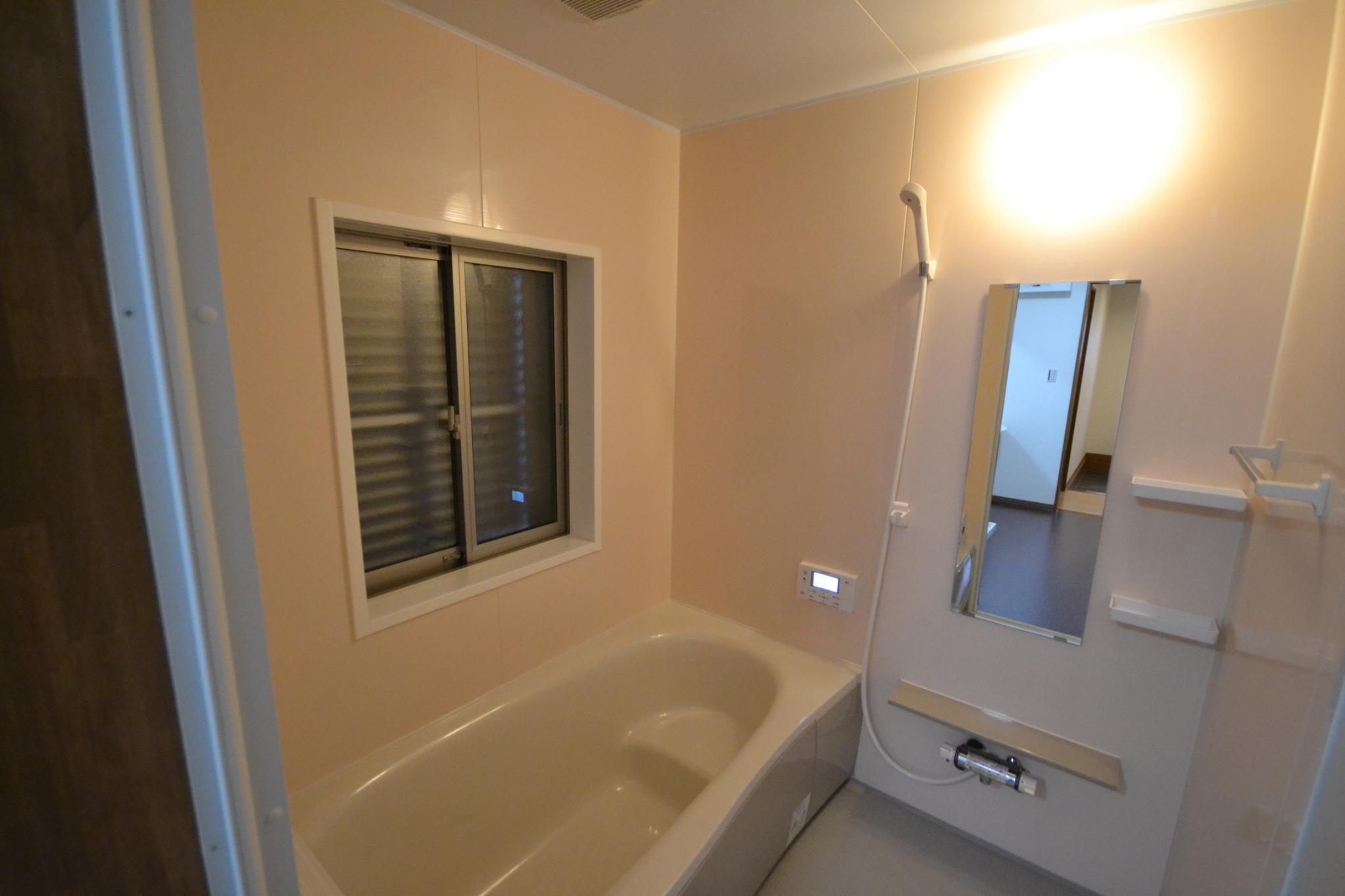 金原邸浴室