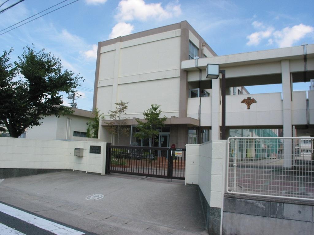 苗代小学校
