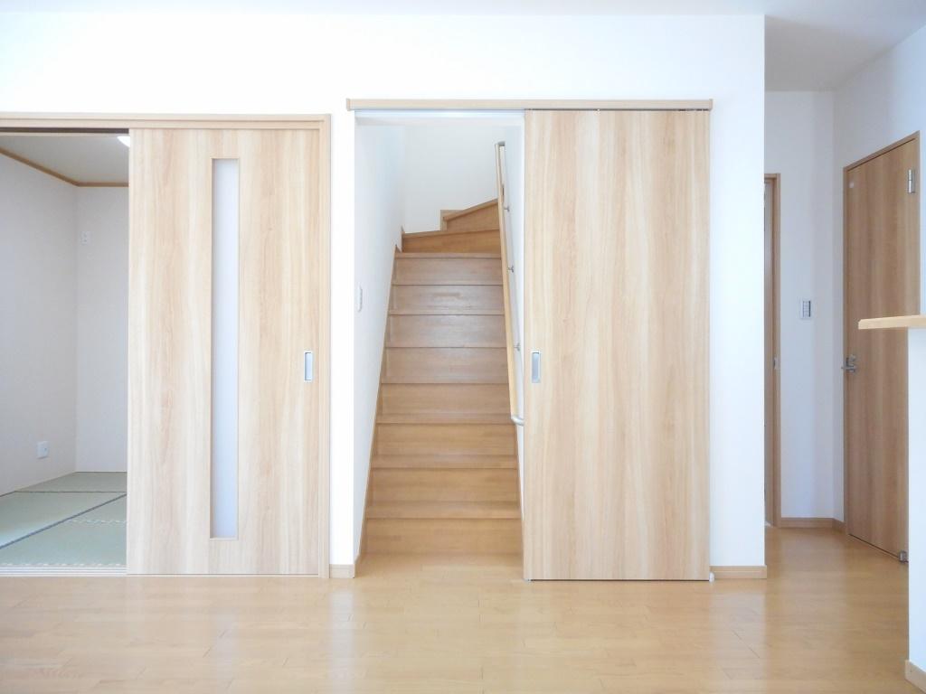 リビング階段建具