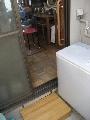洗濯室 手摺の取付け及び段差解消