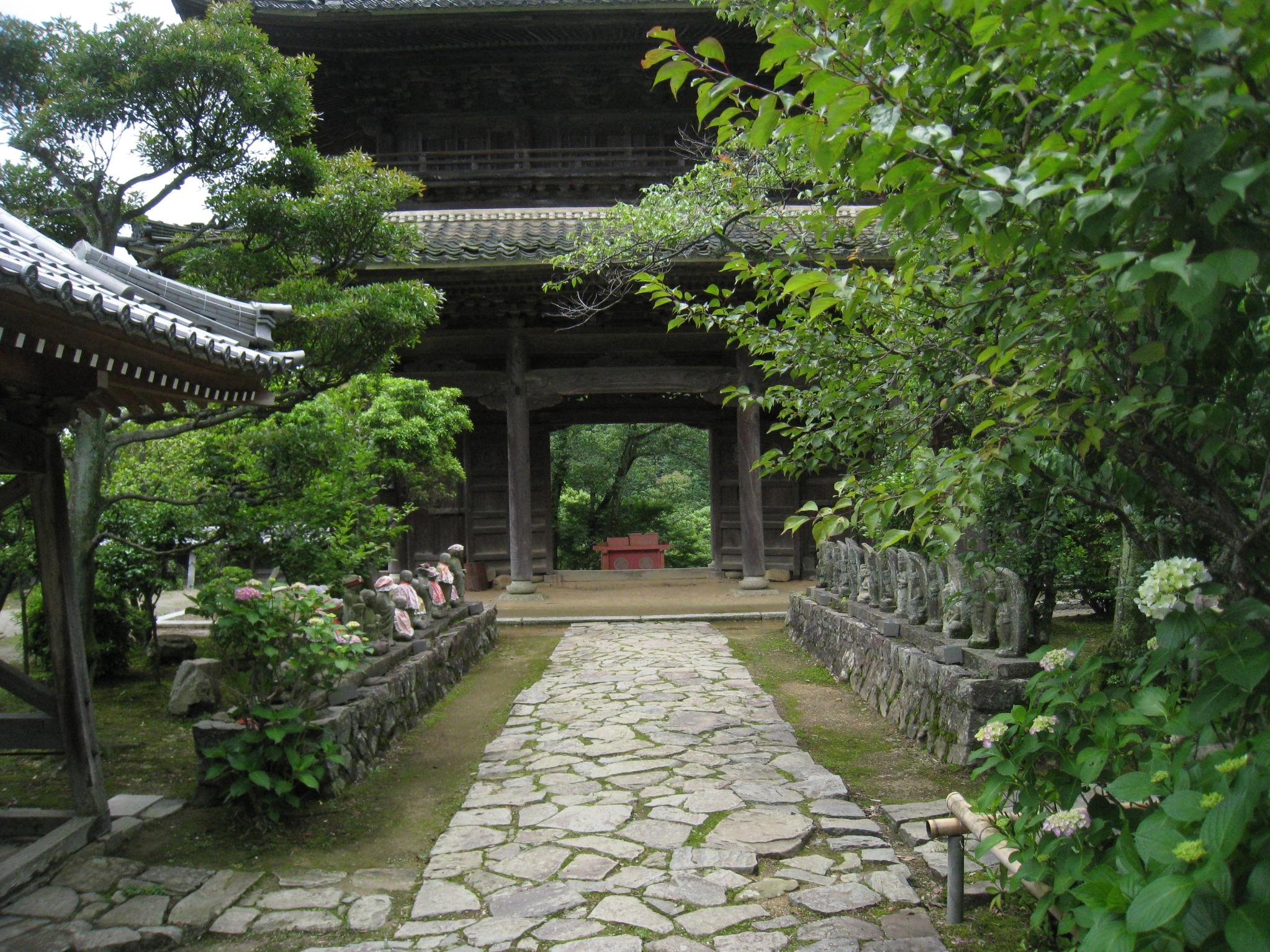 夏の行基寺