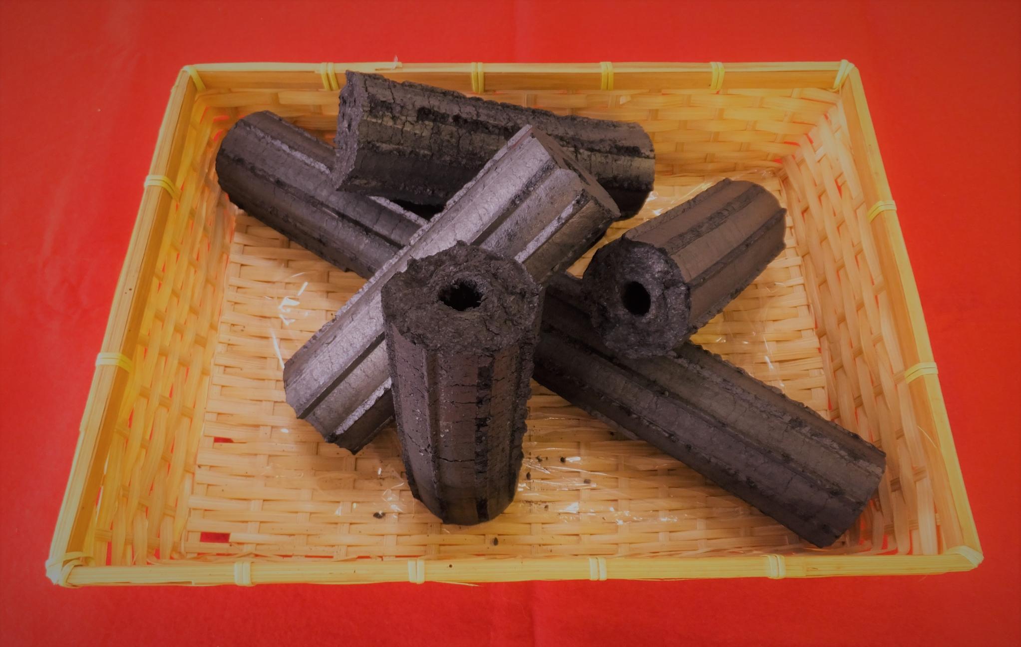 H29逸品 モミ炭
