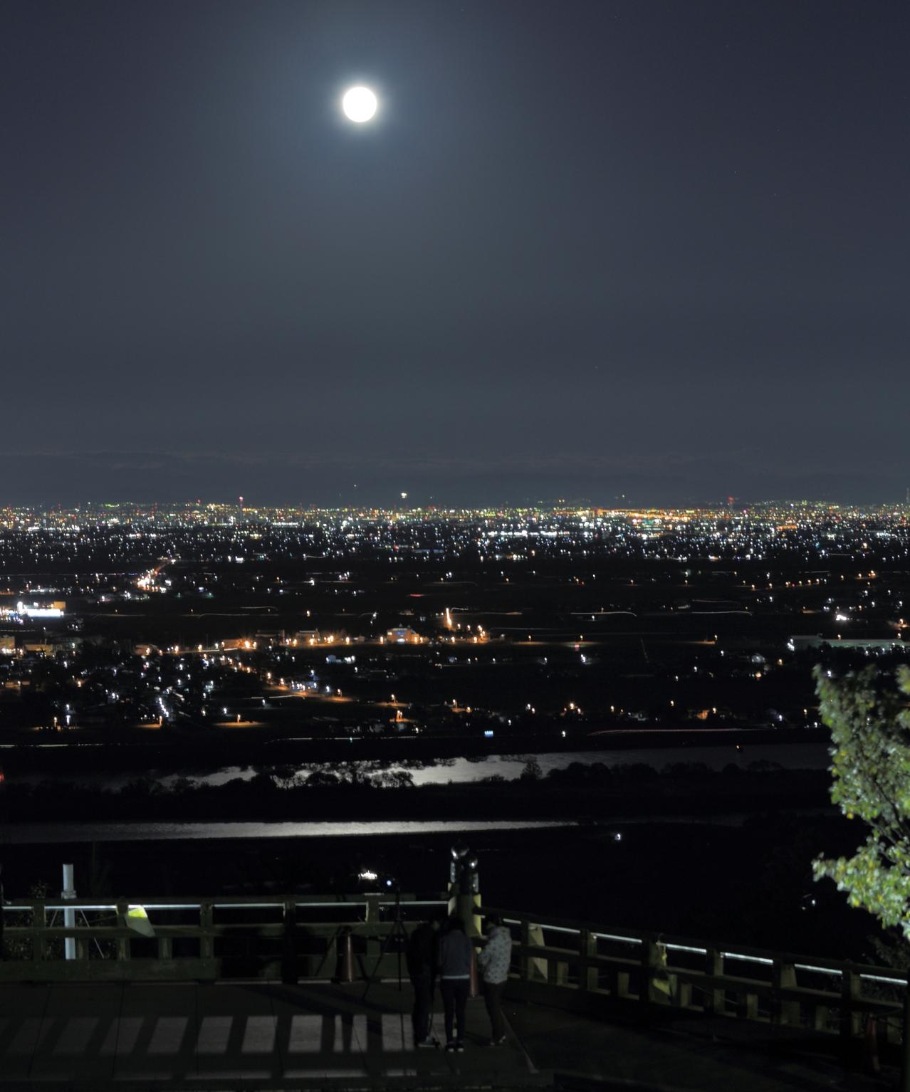 2回 秋 銀賞 夜景と百名月の美