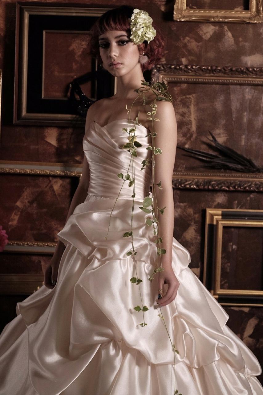 パールホワイトドレス