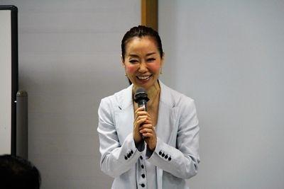 遙洋子先生