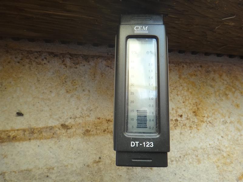 土台の含水率測定