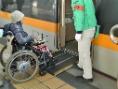 列車への移動