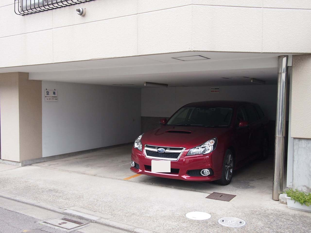 駐車場 車