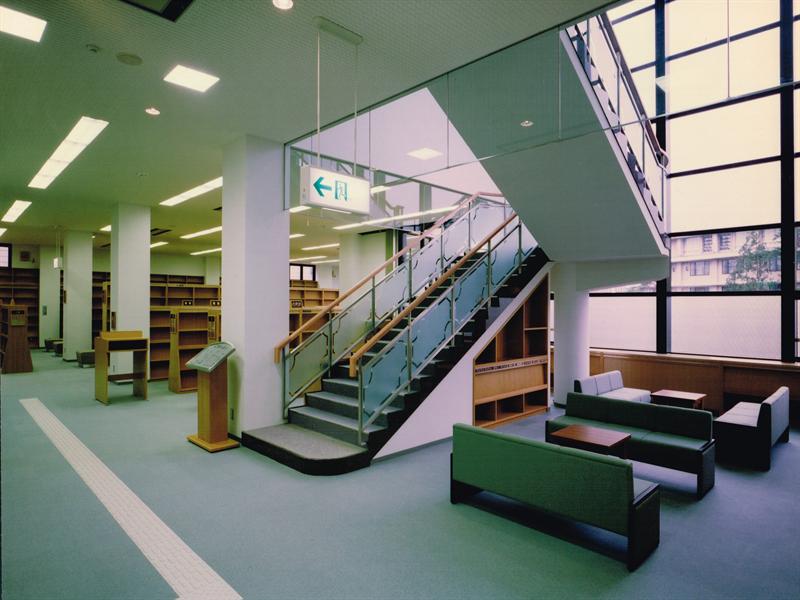 加賀市立図書館