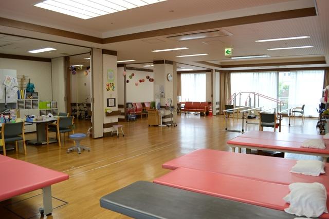 介護老人保健施設リバーイースト リハ室