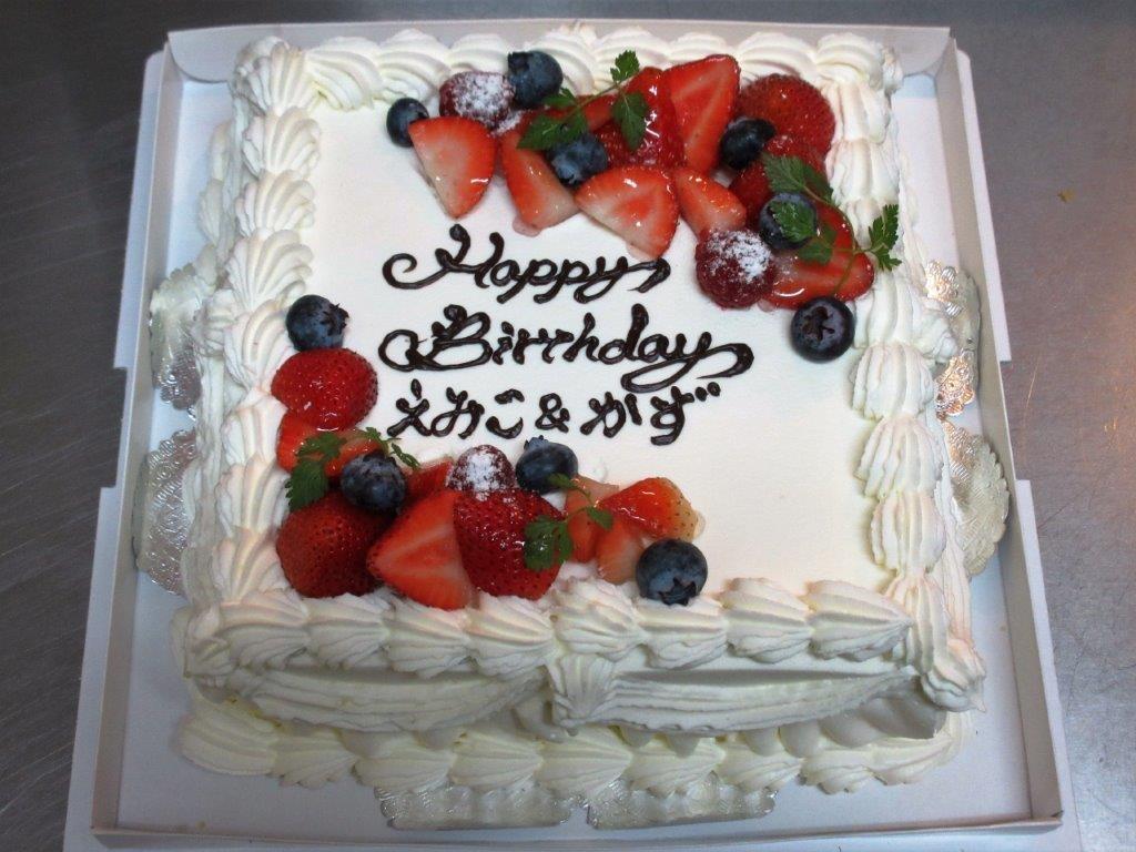 四角デコレーションケーキ