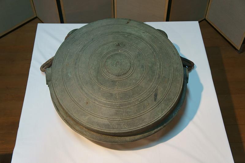 堺市内最古の大型鰐口