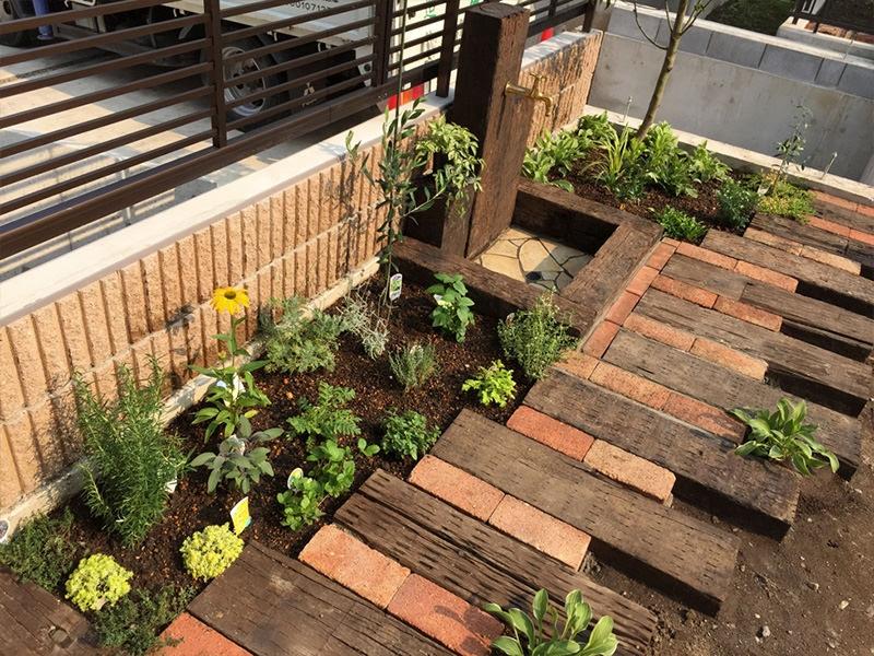 T市Y邸 庭・外構・大工工事 エクステリアなどお庭づくりなら漆原造園土木で 群馬県