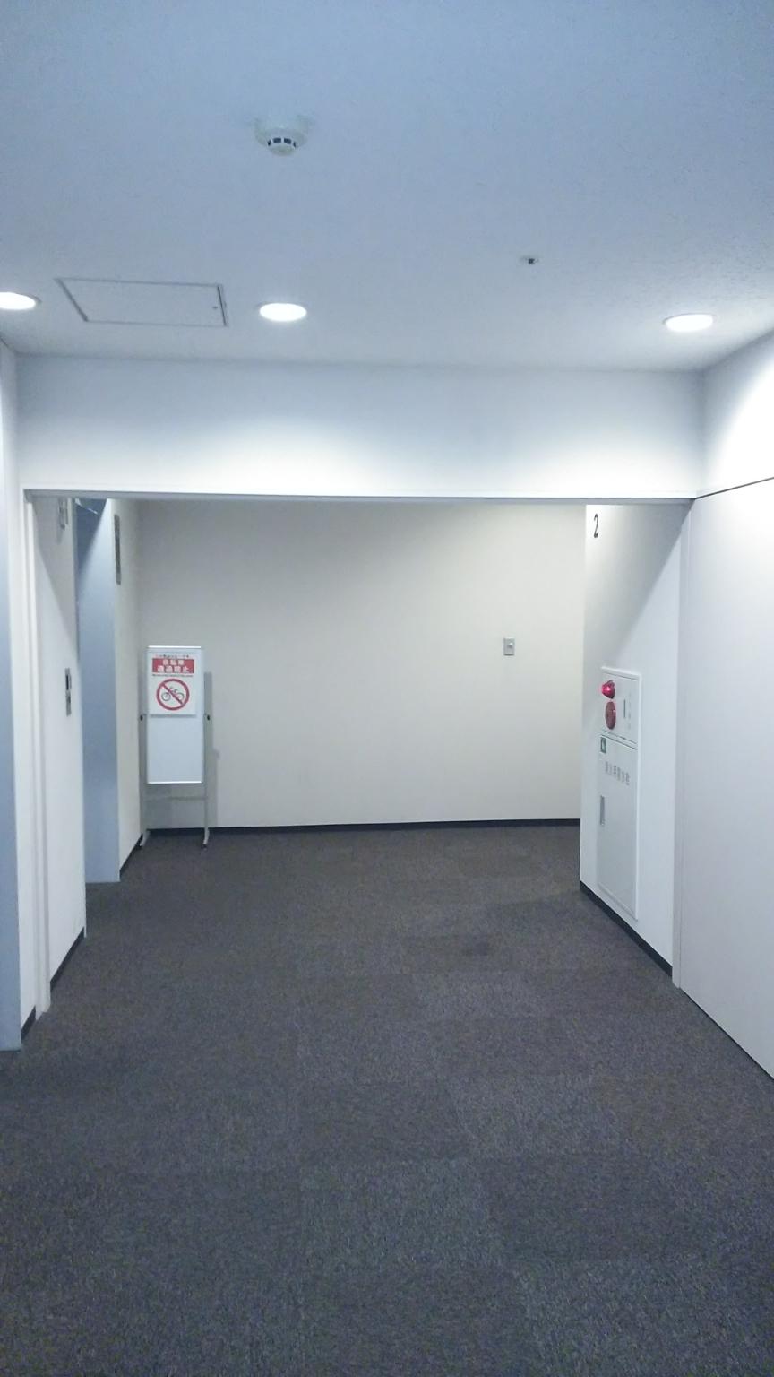 某ビルエレベーターホール改修前