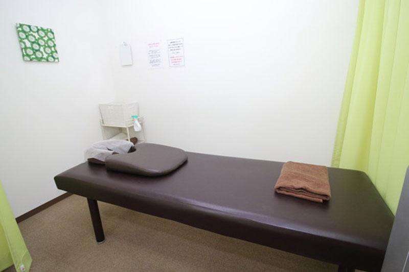 院内施術ベッド