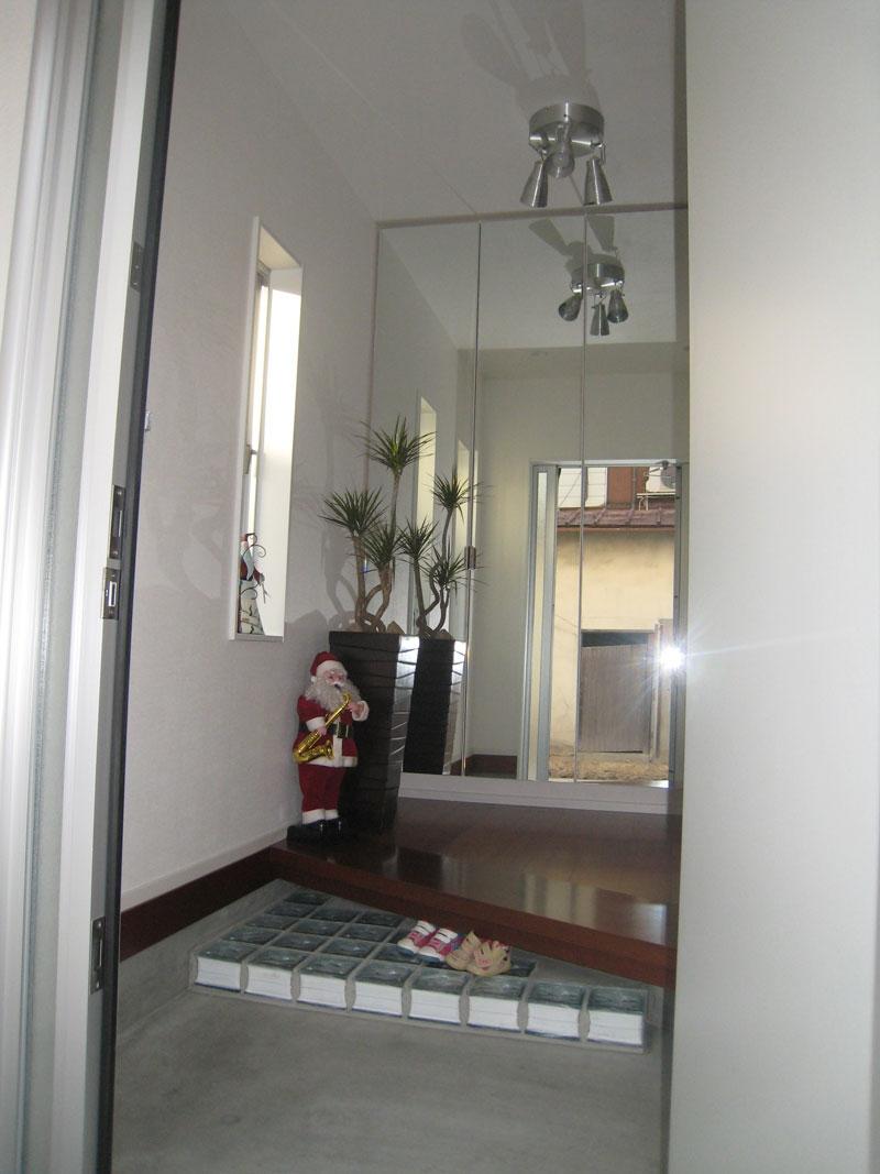 白い箱の家_玄関