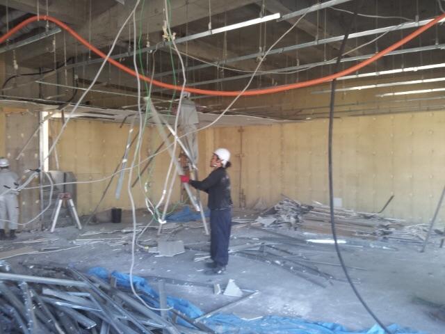 店舗内装解体工事