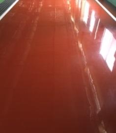 工場の床清掃