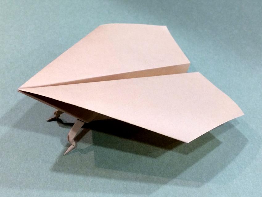 ハート 折り紙 立体 ハート 折り紙 : 折り紙「足つき紙飛行機」