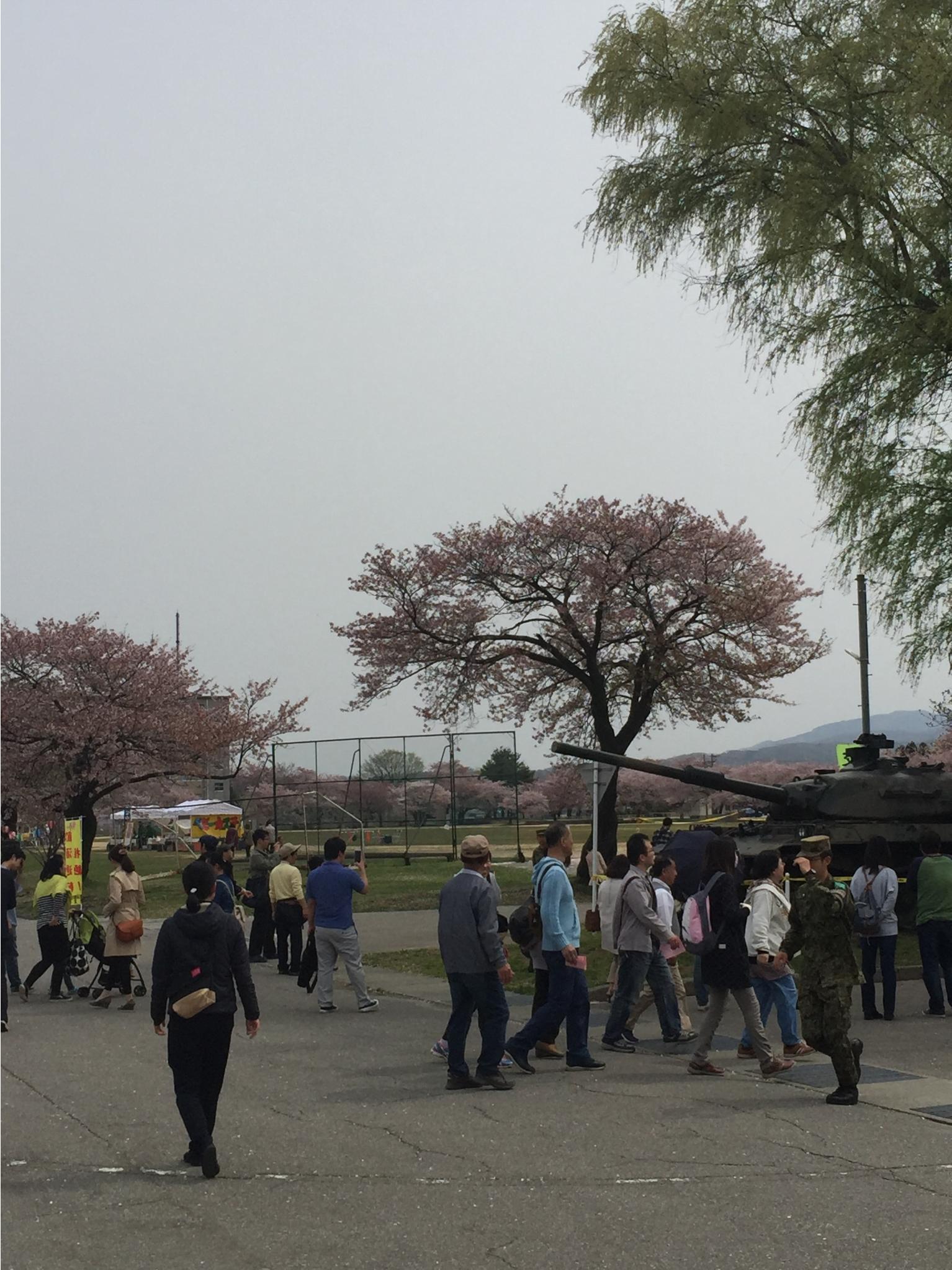 20160410金沢駐屯地さくら祭り2