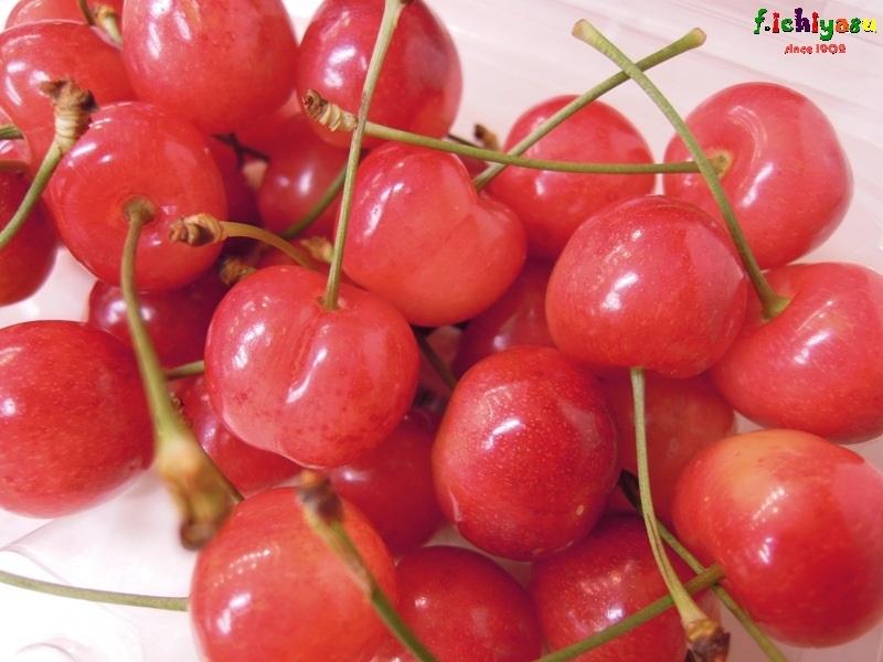山形産の「佐藤錦」有り〼 Today's Fruits ♪