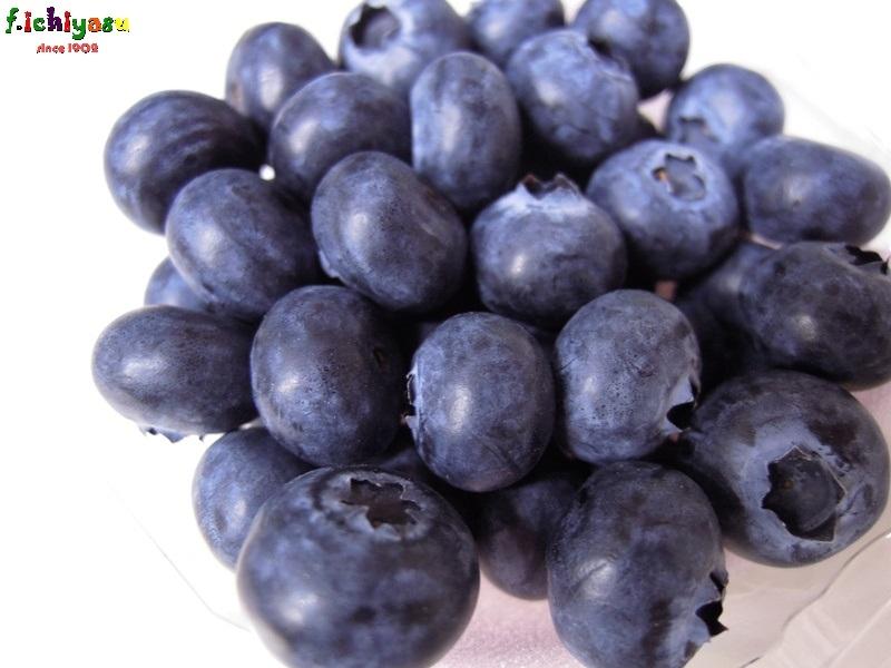 国産ブルーベリー入荷しました (^^♪ Today's Fruits ♪