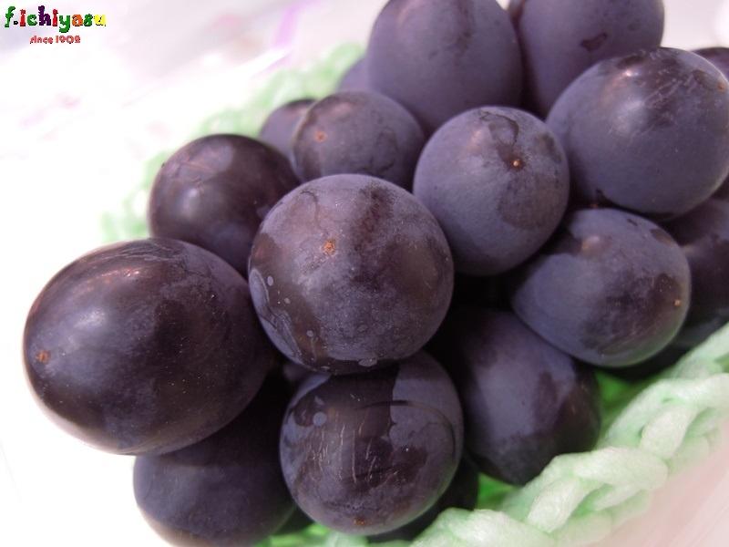 「種なし ピオーネ」有り〼 Today's Fruits ♪