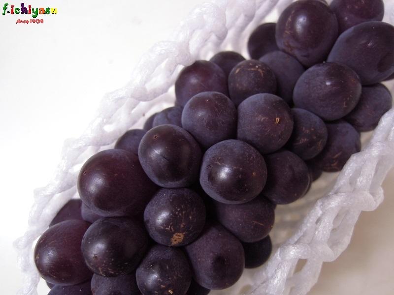 山梨の「キングデラ」も有るよ (^^♪ Today's Fruits ♪