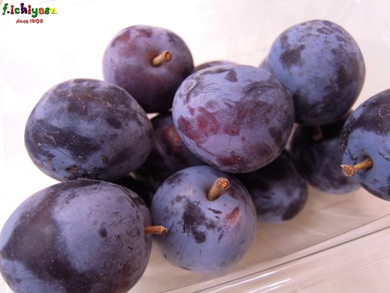 信州産の「プルーン」も入荷してます(^^♪ Today's Fruits ♪