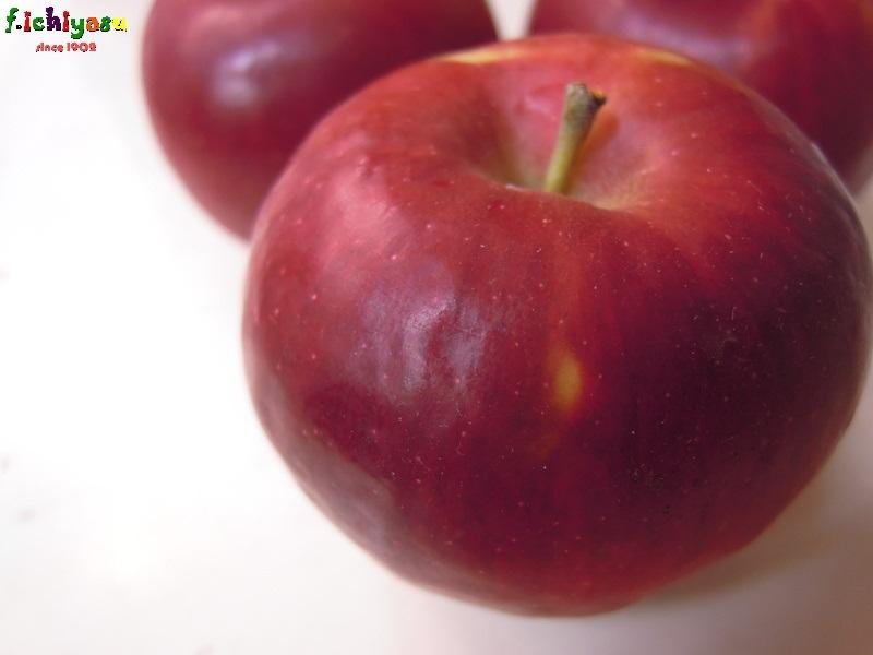 お待ちかね「紅玉」入荷! Today's Fruits ♪