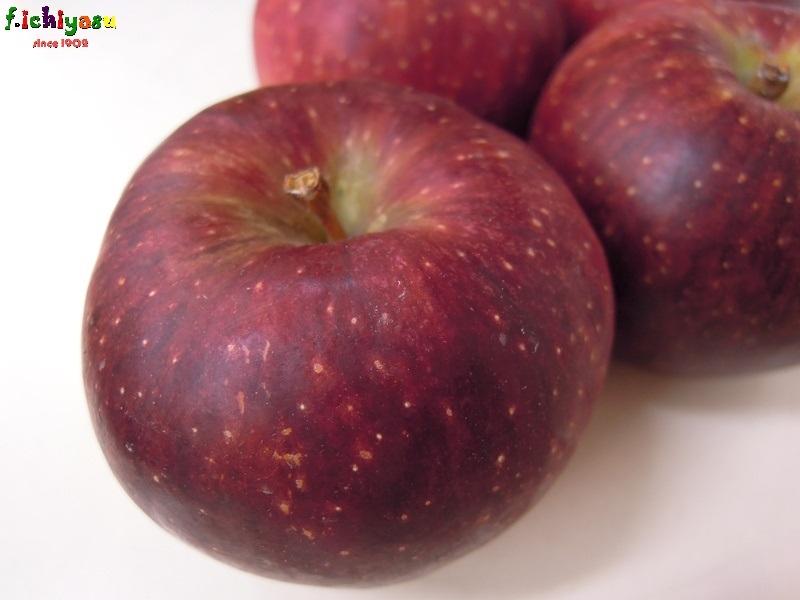 信州産の「秋映」入荷! Today's Fruits ♪