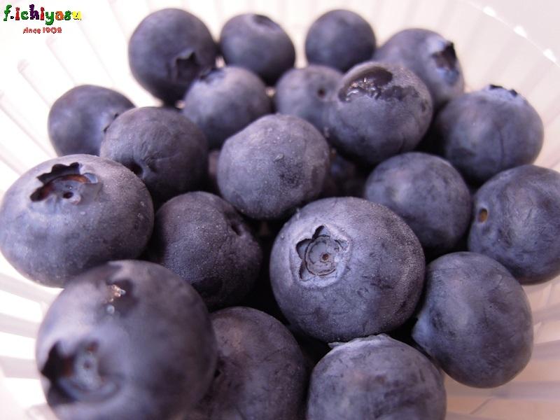 国産のブルーベリー出たよ (^^♪ Today's Fruits ♪