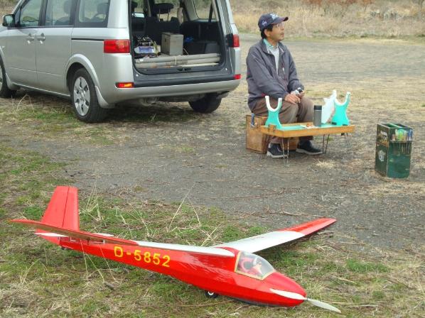久々Hさんは、スパン3メートルのグライダー