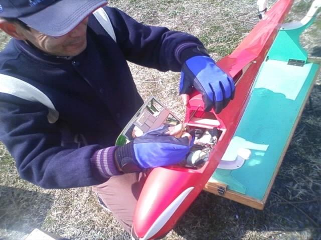 スパン3メートルのグライダーとHさん