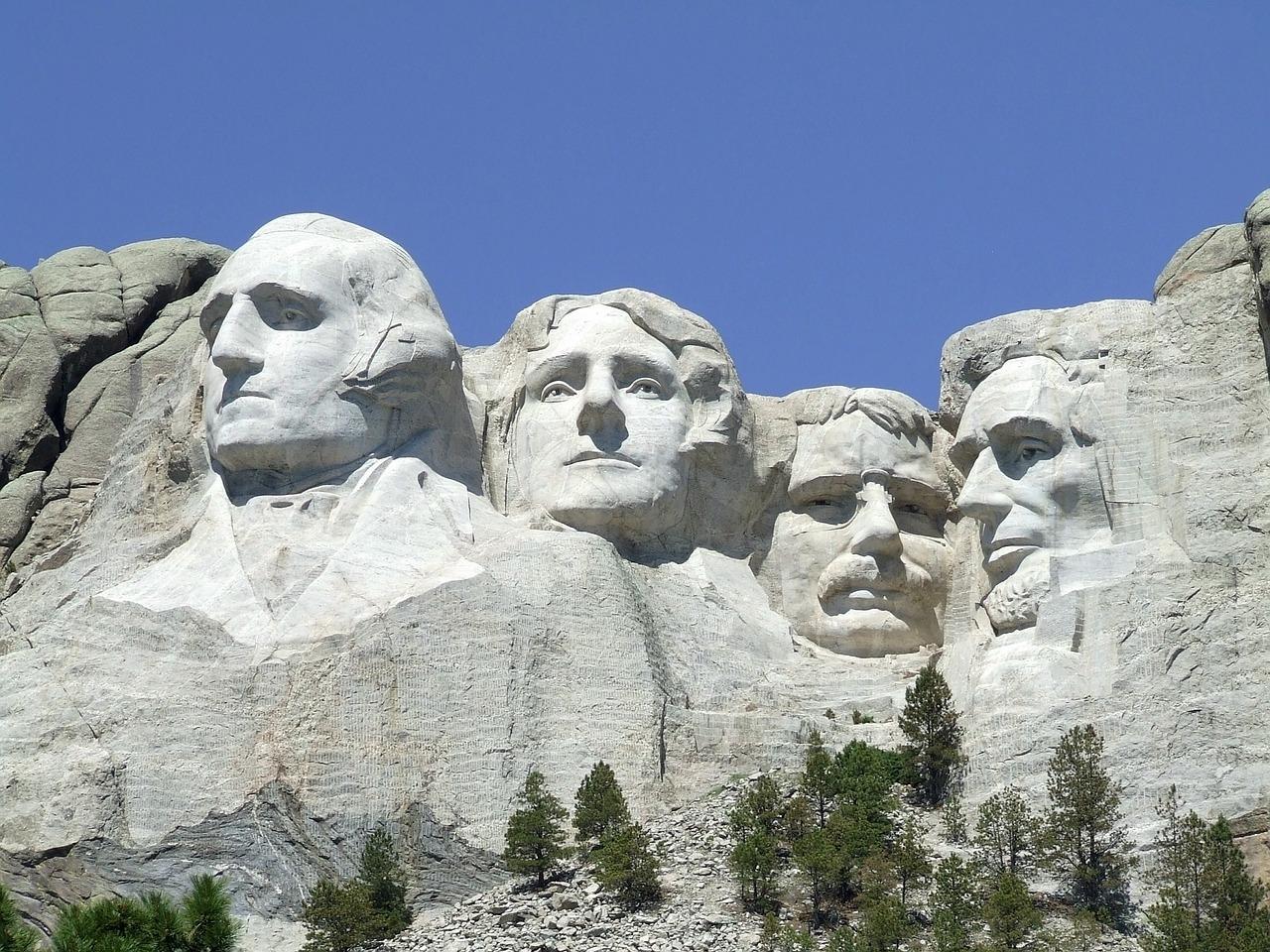 ラシュモア山国立記念公園(ラシュモアさんこくりつきねんこうえん、Mount Rushmore National Memorial Park)