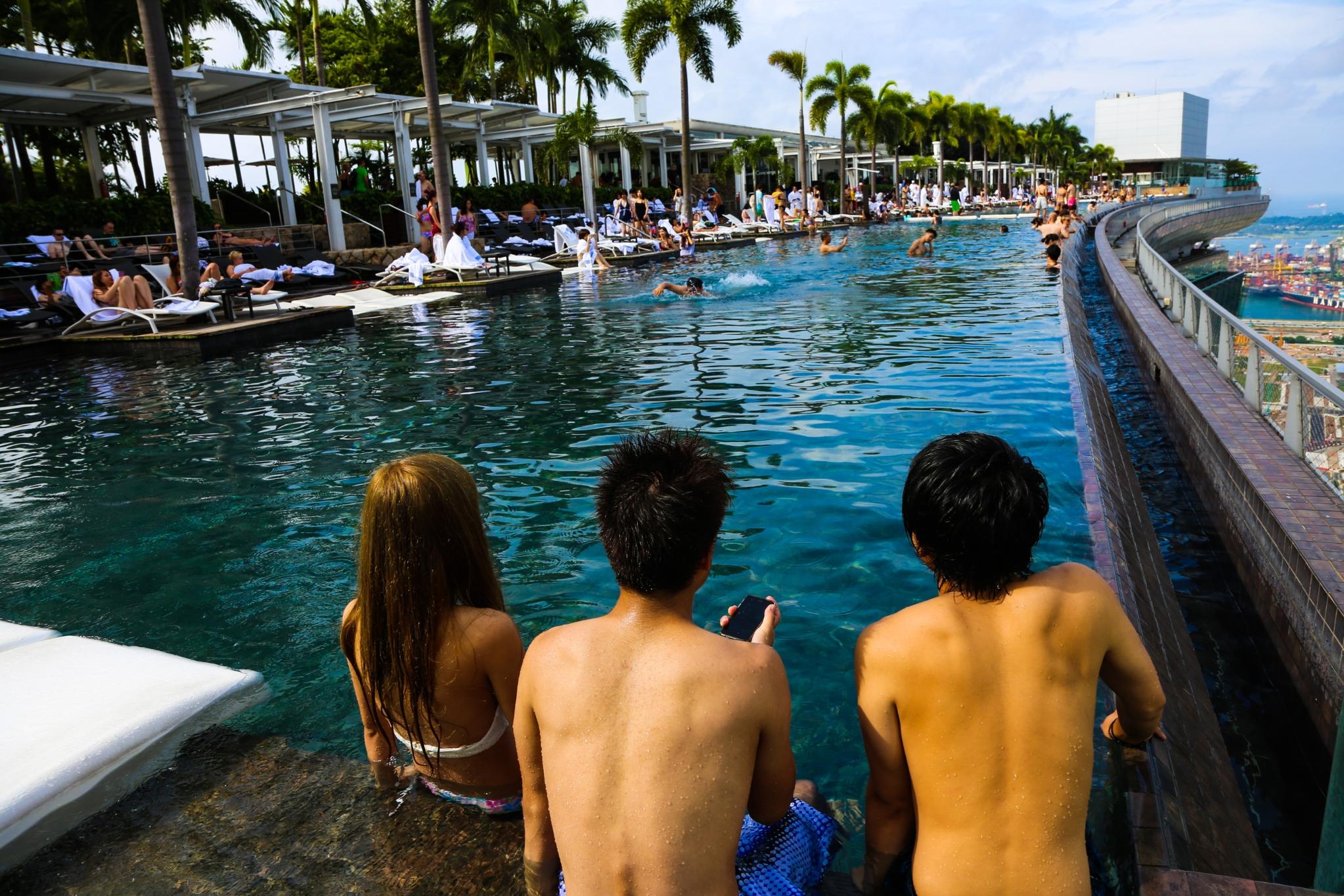 シンガポール マリーナベイサンズ ホテル 屋上プール