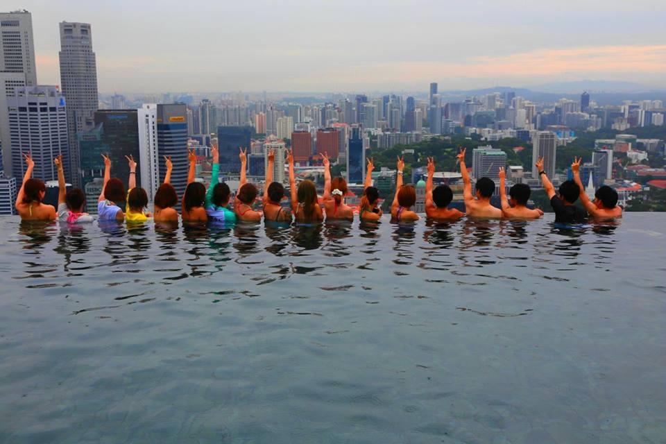 シンガポール マリナーベイサンズ ホテル 屋上プール