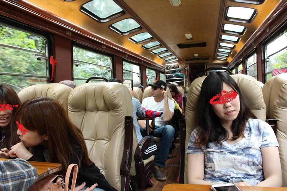 マチュピチュ村への展望列車