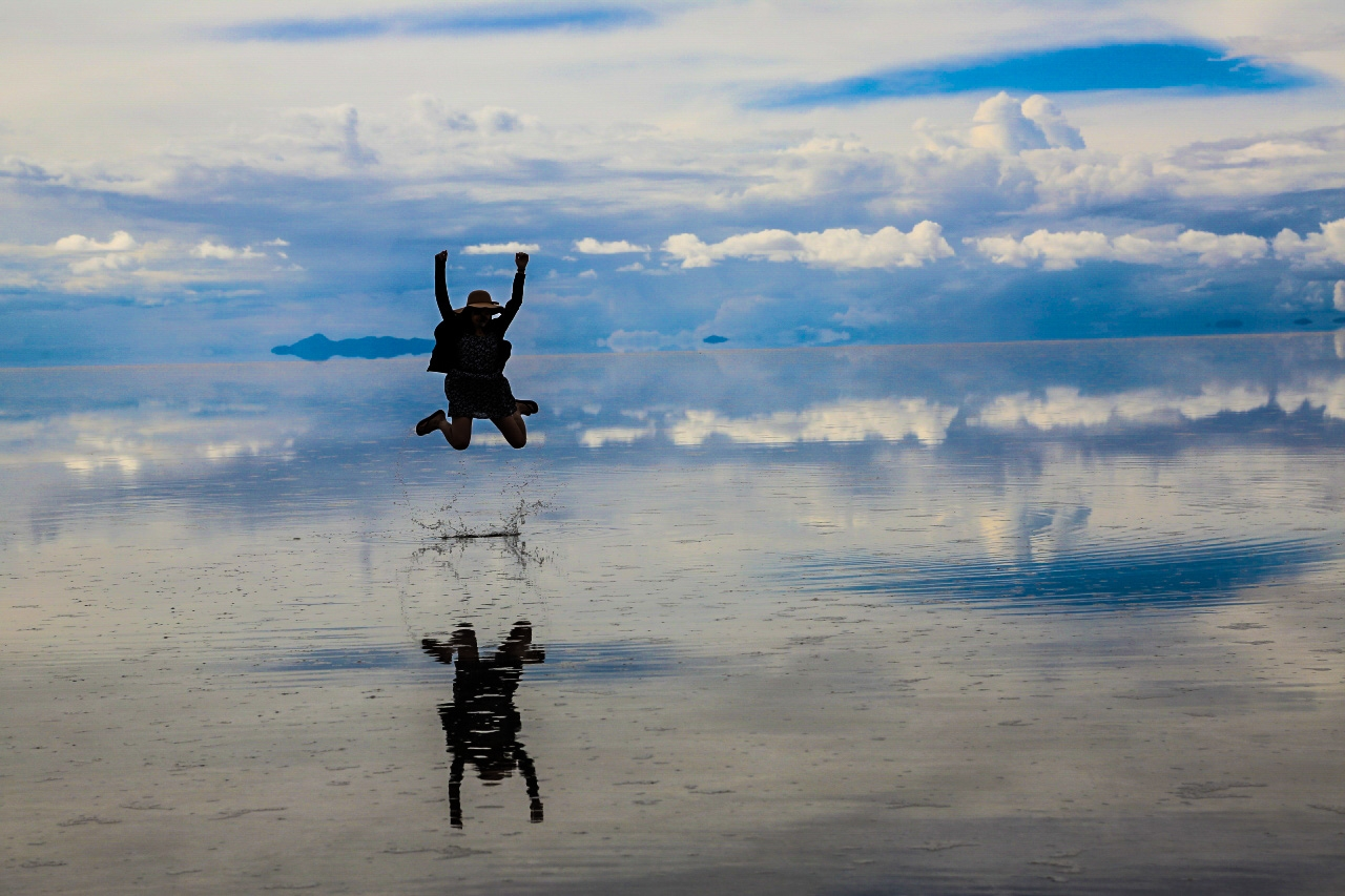 ウユニ塩湖 鏡張り ボリビア 南米