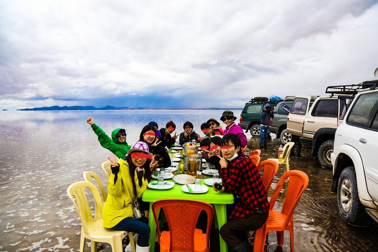 ウユニ塩湖 4WD ランチ